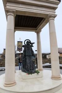 Памятник святой Матроне Московской в с. Себино