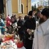 В Покровском монастыре освятили пасхальные яйца и куличи