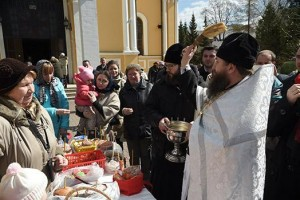 Освящение яиц и куличей (2)