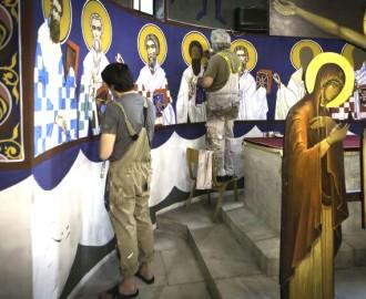 Иконописцы в храме