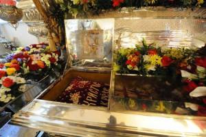 Рака с мощами святой Матроны в храме Покровского монастыря
